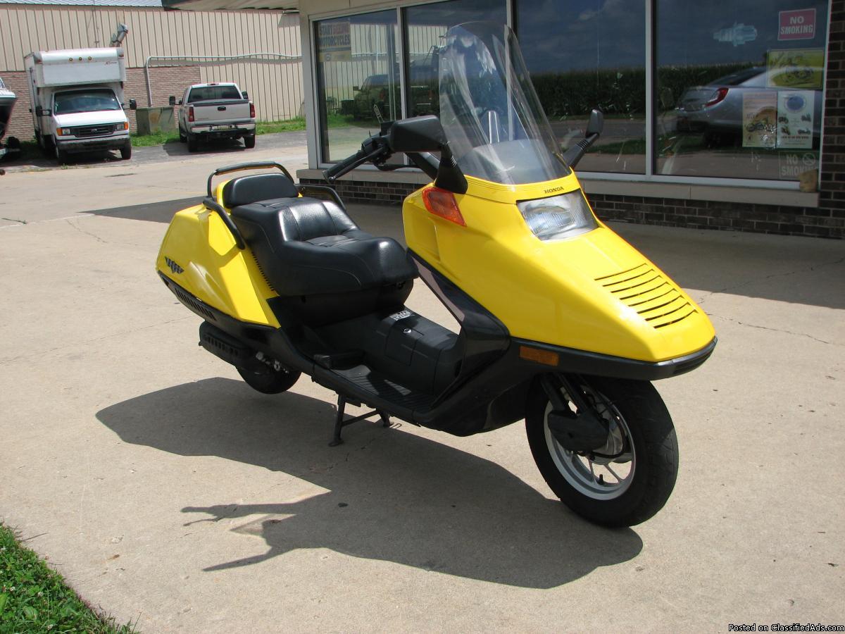 2004 Honda Helix Scooter