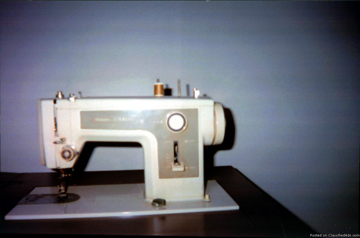 Photo Sears Kenmore Sewing Machine