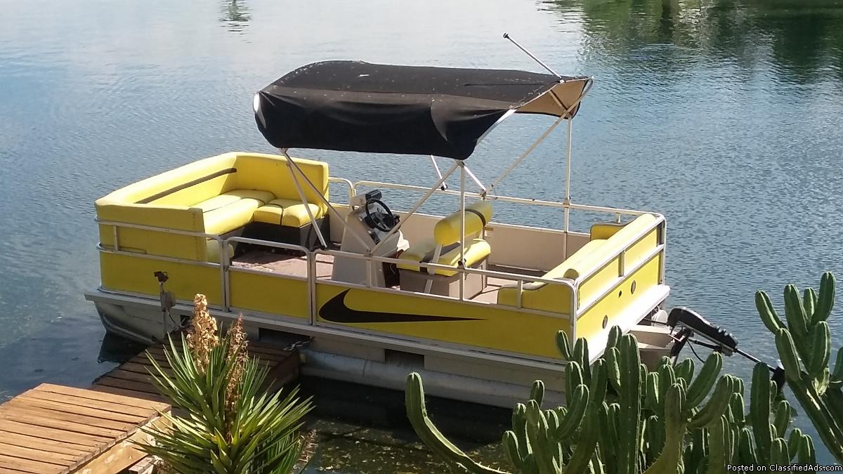 Photo 2004 sun tracker 17.5 footer ELECTRIC POWERED pontoon boat FOR residential