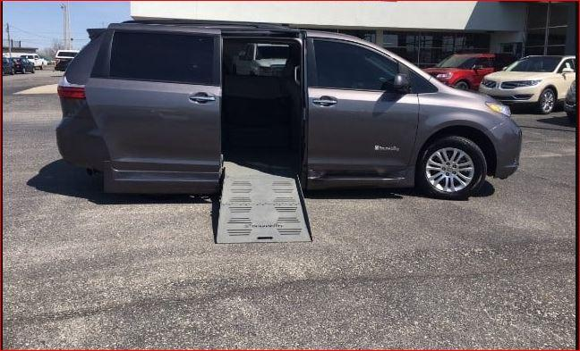 2015 toyota sienna xle mobility handicap wheelchair accessible 8k miles 36000