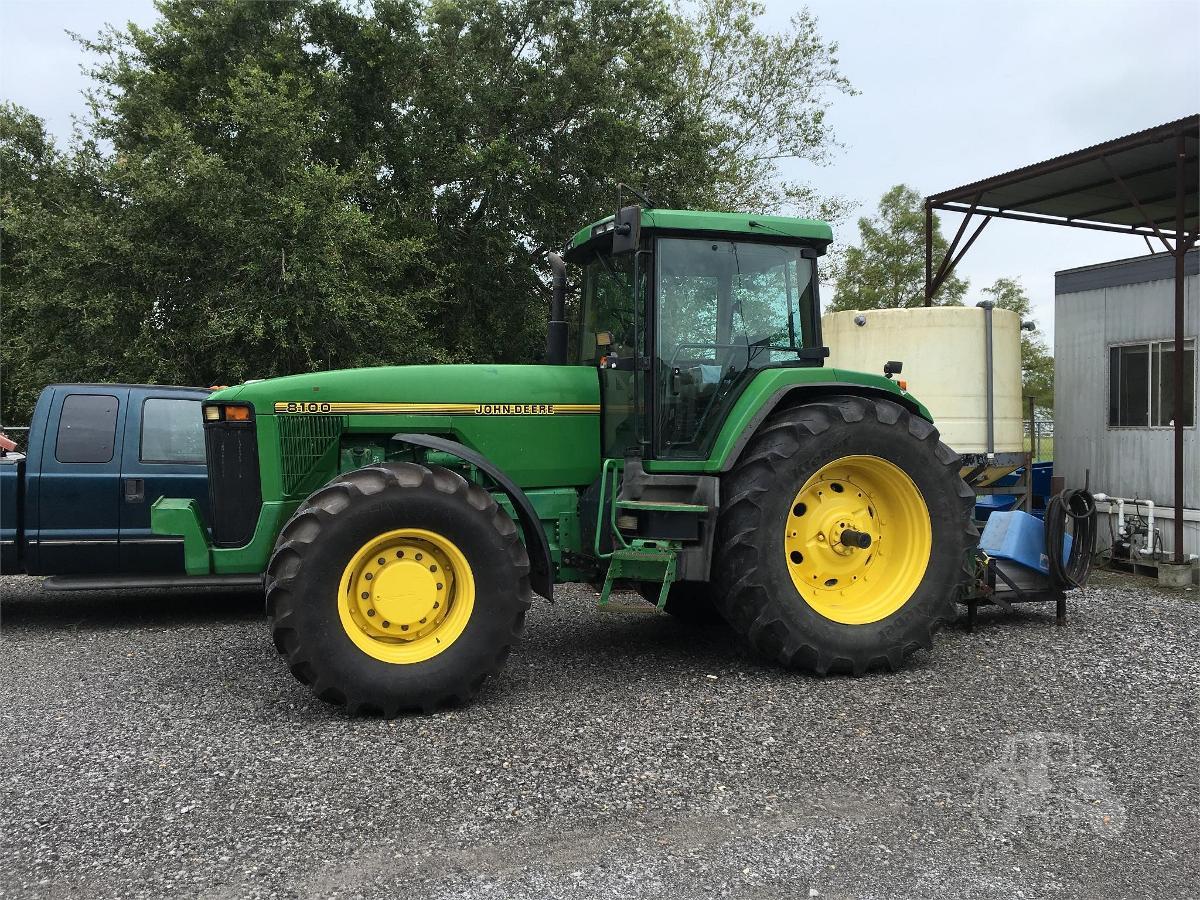 Photo 1995 John Deere 8100 Tractor