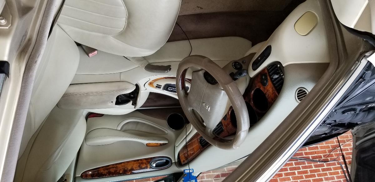 Photo 1998 Jaguar XJ8 Vanden Plas