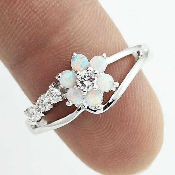 Photo Exquisite Round Cut White Fire Opal Stone 925 Sterling Silver Flower Women Opal Rings