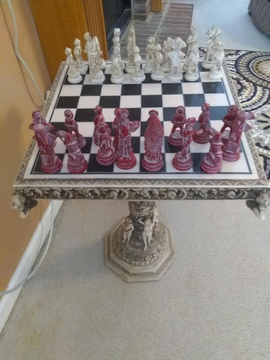 Photo Checker Board Pedstal Style Chess set
