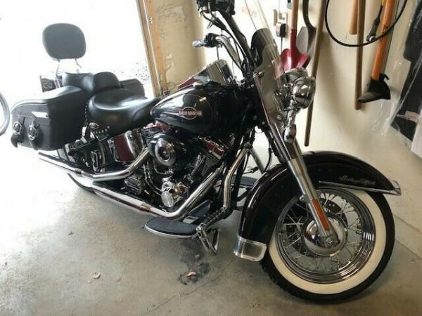 Photo 2006 Harley Davidson FLHTC Softail Heritage Classic Bike For Sale