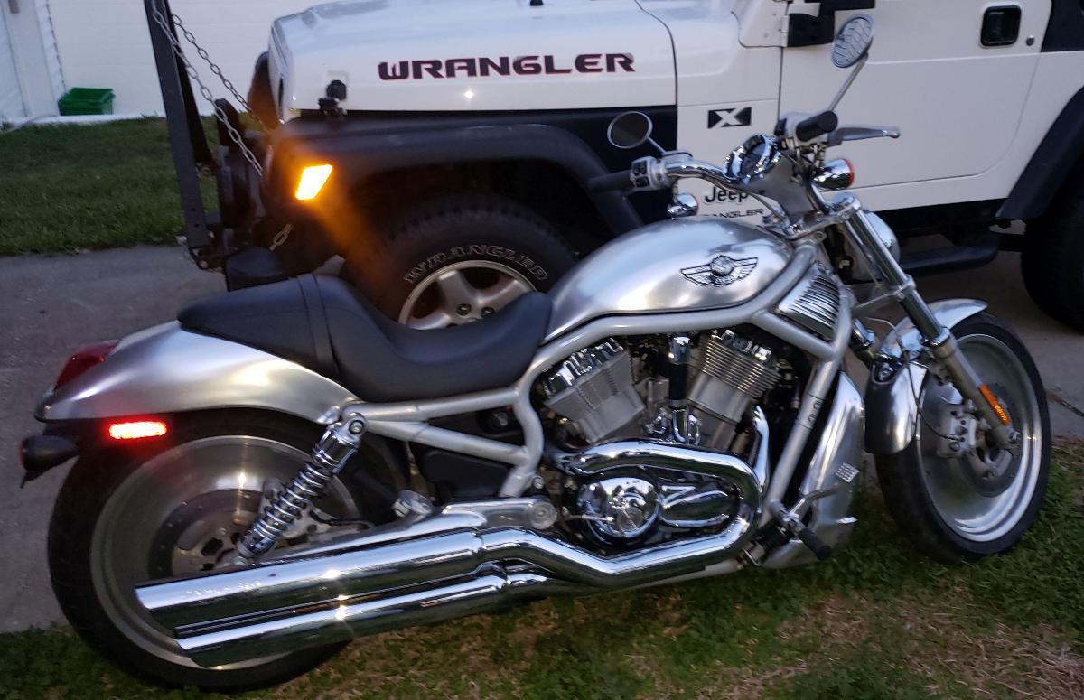 Photo 2003 Harley-Davidson VRSCA V-Rod Anniversary Edition $5000