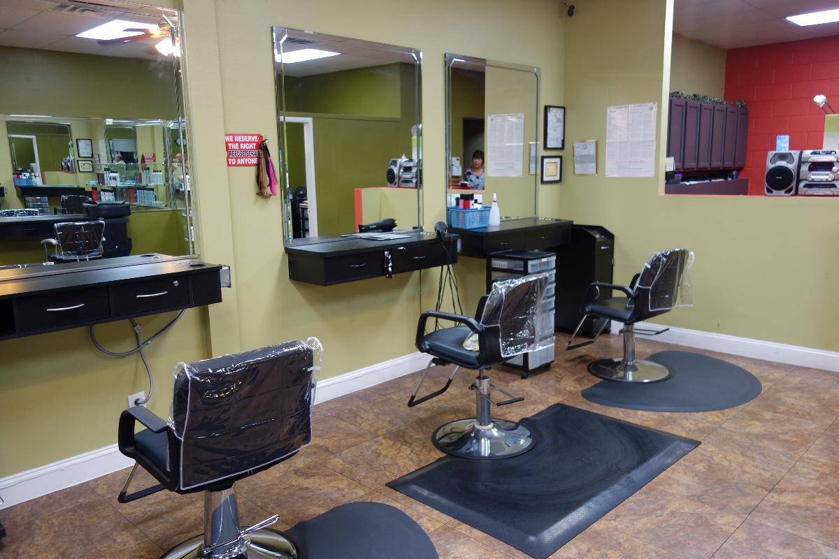 Photo Hair Salon for Sale in Riverside