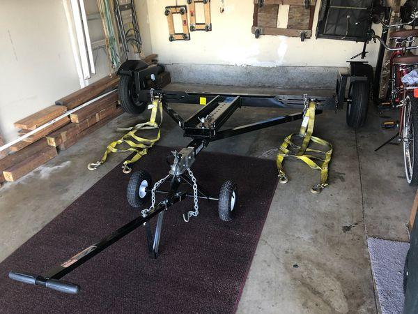 Photo Car tow trailer and tow dolly
