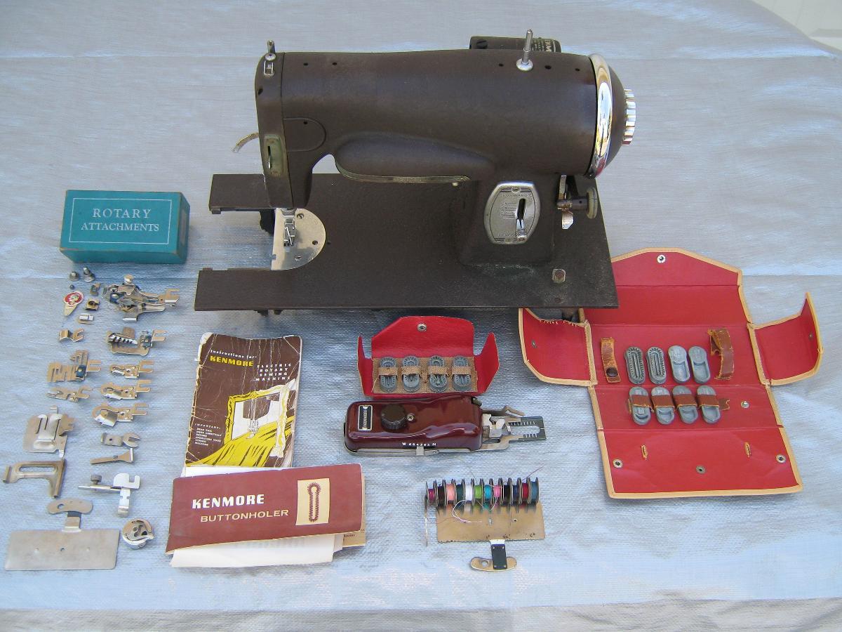 Photo Old Sewing Machine