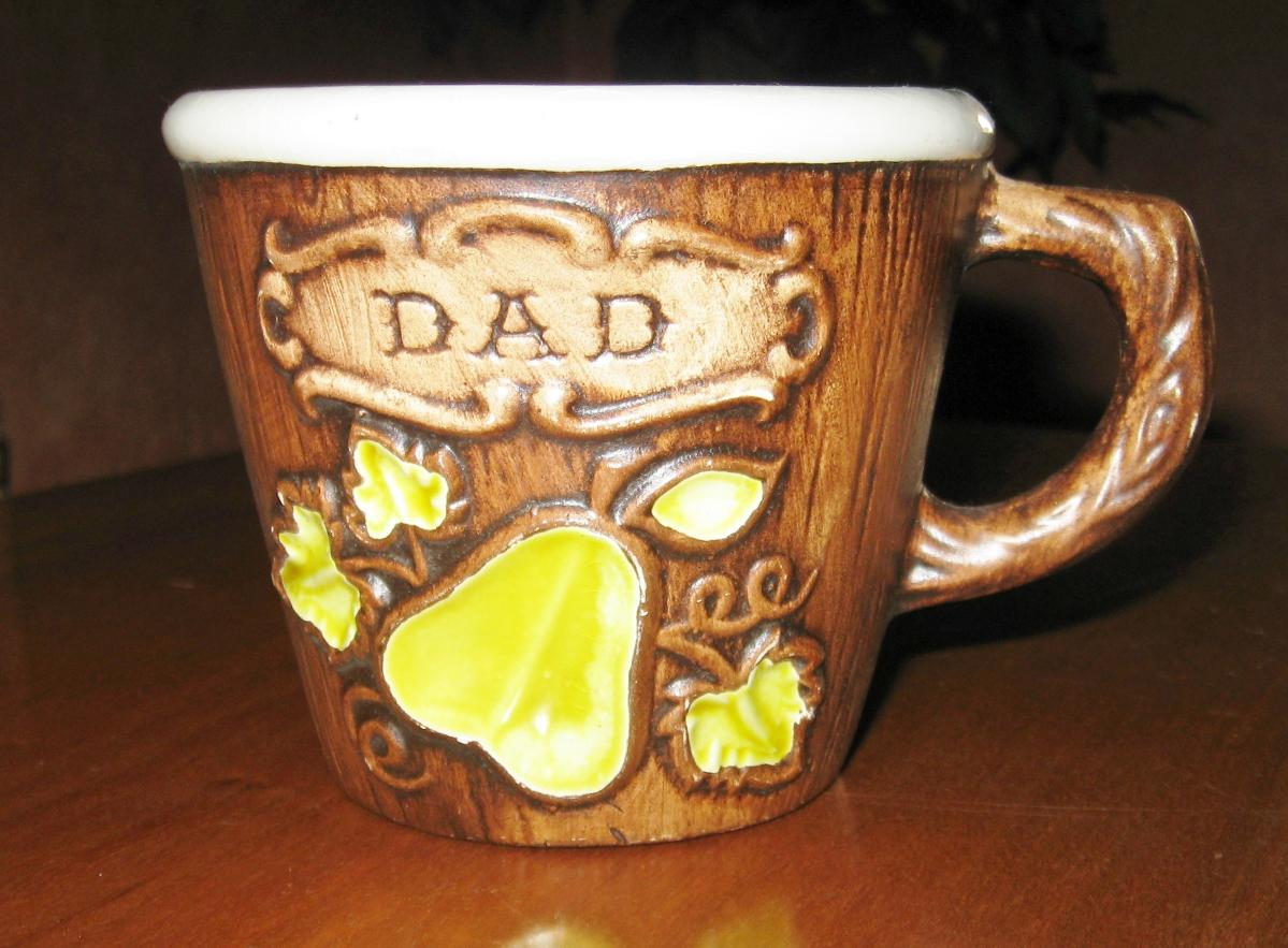 Photo Vintage Treasure Craft Compton CA USA Ceramic Handmade Faux Wood Pear Design Brown Coffee Mug Dad Gift Man Cave