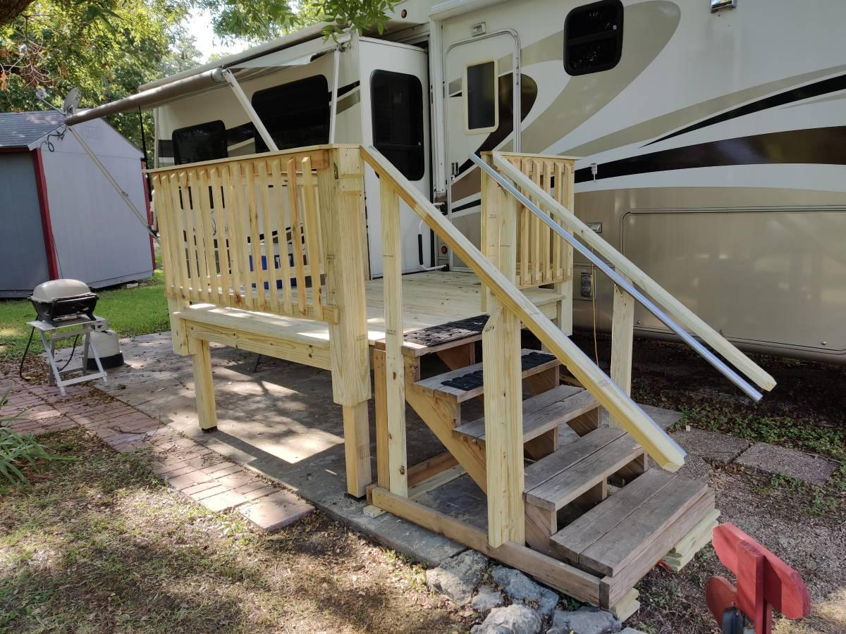 Photo 2008 DRV Mobile Suites TK3 Fifth Wheel For Sale in Kerrville, Texas  78028
