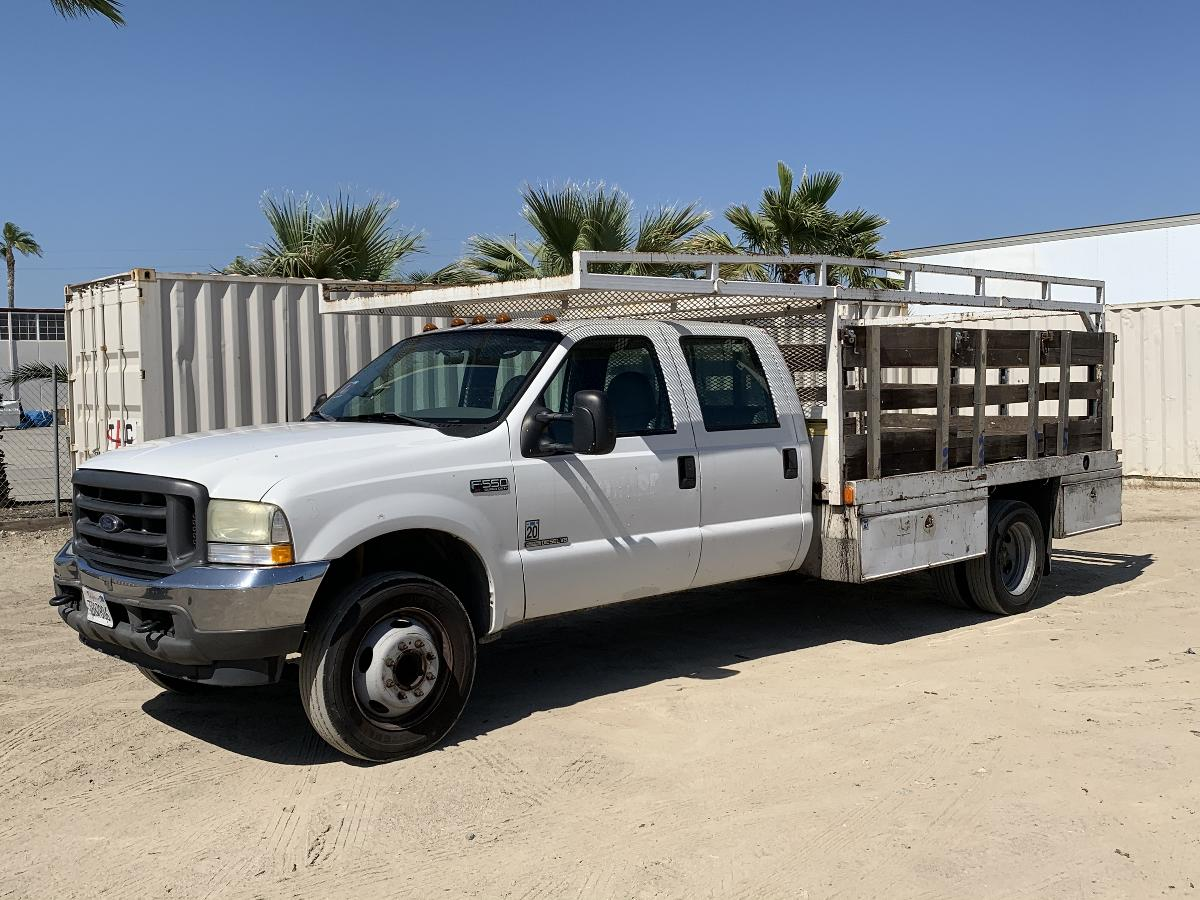 Photo 2002 FORD F550 CREW CAB FLATBED TRUCK