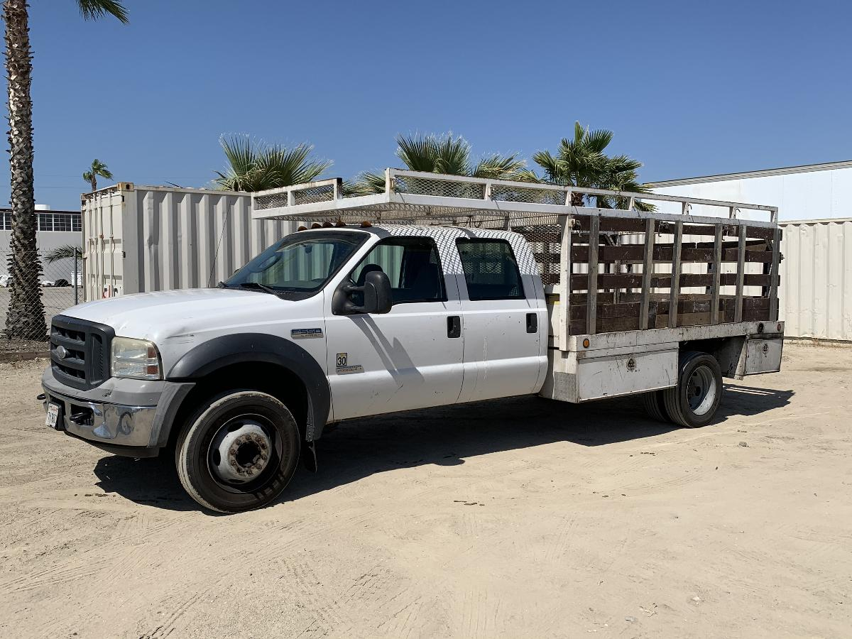 Photo 2006 FORD F550 CREW CAB FLATBED TRUCK #14106202