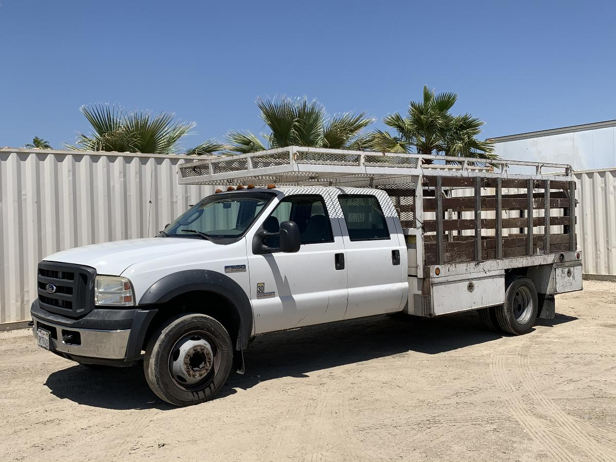 Photo 2006 FORD F550 CREW CAB FLATBED TRUCK #14107202